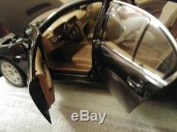 118 Bmw 7 Er Bmw Série 7 Individual Modèle Limited Edition Par Kyosho- Sleek