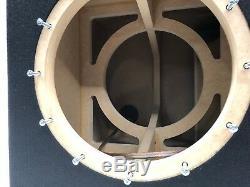 Sous-boîtier Double Port Jl Audio 12w7 Ae Special Edition Avec Garniture De Port Plexi Rouge