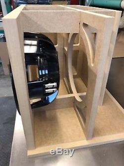 Sundown Audio X Sous-boîte Portée À 12 V. Special Edition Avec Garniture De Port En Plexi Rouge